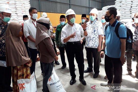 Di Kediri, Menko PMK pantau persiapan distribusi bantuan beras warga