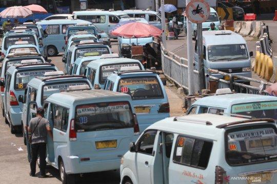 PSBB Jakarta, penumpang harian angkutan umum Jakarta turun 22 persen