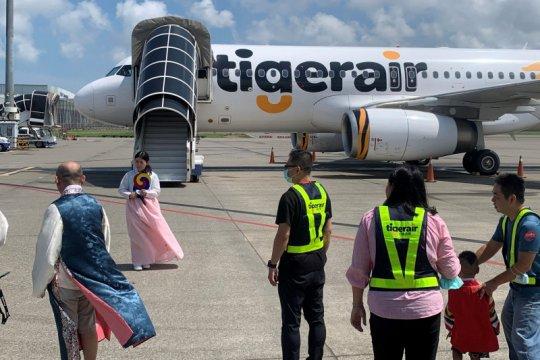"Pelancong Taiwan tamasya naik pesawat tujuan ""tidak ke manapun"""