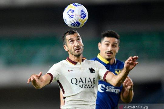Skor kacamata menjadi hasil pertandingan Verona kontra Roma