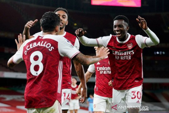 "Nketiah jadi ""supersub"" antar Arsenal atasi West Ham"