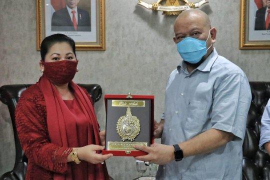 Ketua DPD raih gelar kehormatan dari Keraton Kasunanan Surakarta