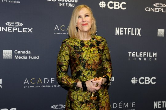 """""""Schitt's Creek"""" borong penghargaan serial komedi di Emmy Award"""
