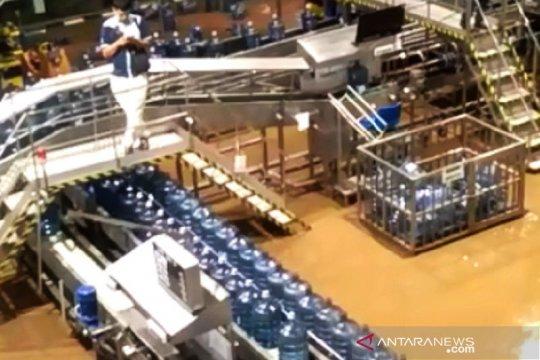 Pabrik Aqua Mekarsari Sukabumi ikut terendam banjir