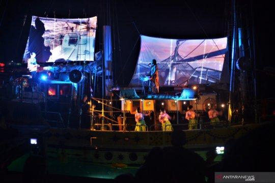 Kru kapal Belanda Arka Kinari gelar Konser hibur warga Pulau Banda