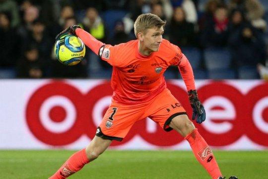 Arsenal akan rampungkan transfer kiper asal Islandia, Runarsson