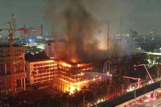 6 tersangka kebakaran Kejagung diserahkan tahap II awal Januari