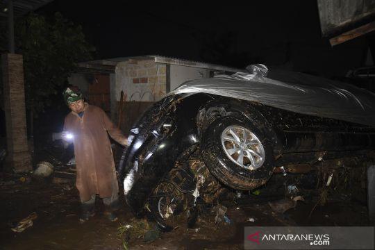 Bencana banjir bandang melanda Sukabumi