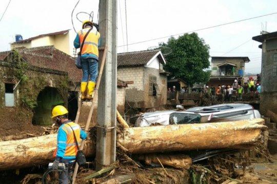 Pascabanjir bandang, PLN nyalakan seluruh gardu di Cicurug Sukabumi