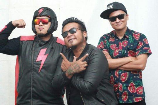 "Endank Soekamti tampil akustik di konser ""This is My Wave Concert"""