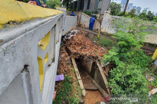 SDA Jakpus rencanakan buat pintu air cegah genangan di TPU Karet Bivak