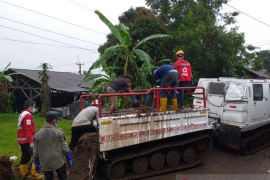 PMI kerahkan kendaraan hagglund ke lokasi banjir bandang Sukabumi