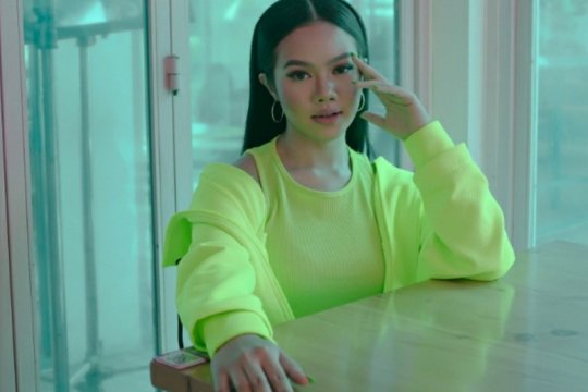 """Yura Yunita masukan unsur budaya di video musik lagu """"Hoolala"""""""