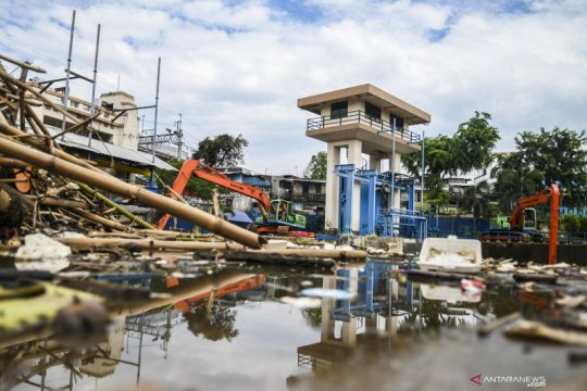 BMKG prakirakan hujan guyur tiga wilayah DKI Jakarta Sabtu siang