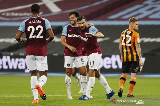 West Ham menang besar atas Hull untuk melaju ke putaran empat