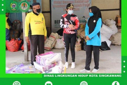 Sampah anorganik warga Kota Singkawang-Kalbar dibeli DLH