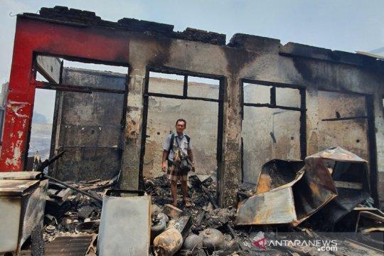 Kemarin, kebakaran Pasar Cempaka Putih hingga pelanggar PSBB