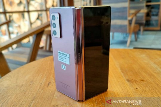 Samsung akan percantik engsel di ponsel lipat