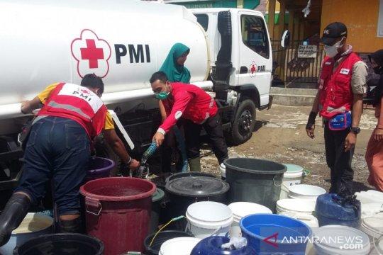 PMI pasok ribuan liter air bersih untuk korban banjir bandang Sukabumi