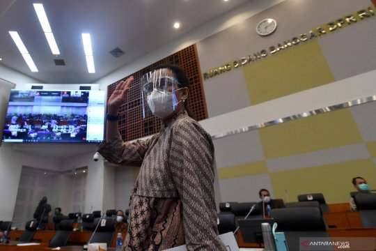 """Menkeu: Omnibus Law Cipta Kerja entaskan RI dari """"middle income trap"""""""