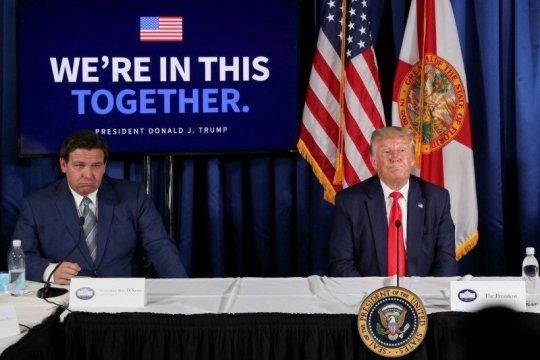 Gubernur Florida hapus pembatasan COVID-19 di restoran, bar