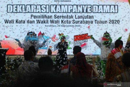 Dua peserta Pilkada Surabaya unjuk kebolehan dalam deklarasi damai