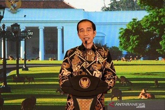 Presiden Jokowi berikan bantuan modal kerja kepada 60 pengusaha kecil