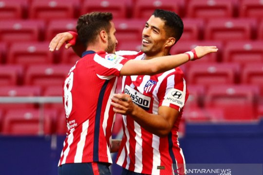Debut manis Luis Suarez antarkan Atletico gasak Granada 6-1