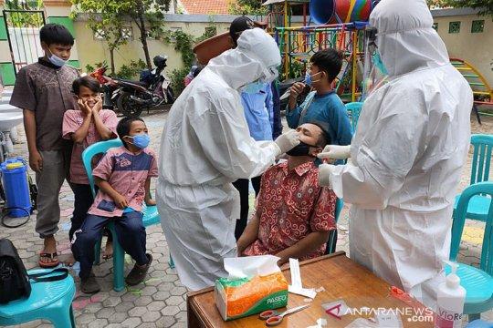 Surabaya lakukan pemeriksaan COVID-19 di pesantren-pesantren
