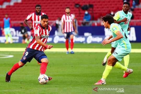 Luis Suarez cetak dua gol dan satu assist, Atletico cukur Granada 6-1