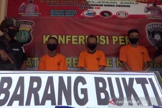 Polisi tangkap tiga pengedar sabu-sabu di Pulogadung