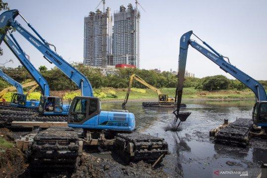 Kemarin, penanggulangan banjir di Jakarta hingga penanganan COVID-19