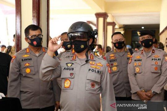 Kabaharkam Polri perkenalkan helm pendeteksi suhu tubuh di SUmut