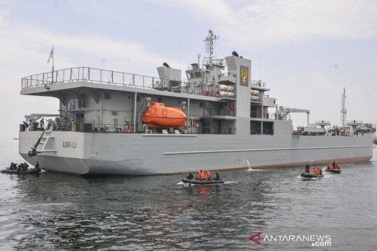 Mengenal kapal pengangkut tank Leopard milik TNI AD
