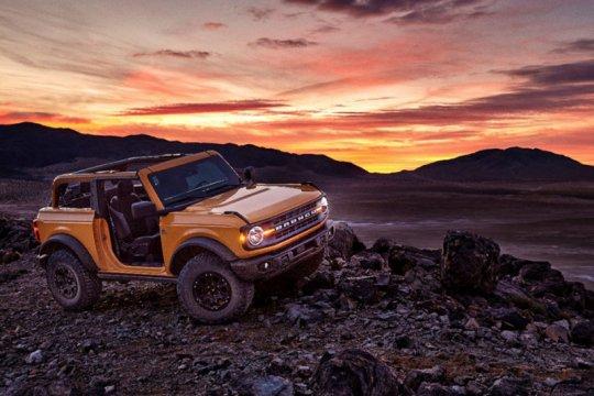 Penuhi permintaan konsumen, Ford bikin Bronco manual 7-percepatan