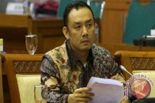 Anggota DPR minta usut tuntas kasus kebocoran data 279 juta penduduk