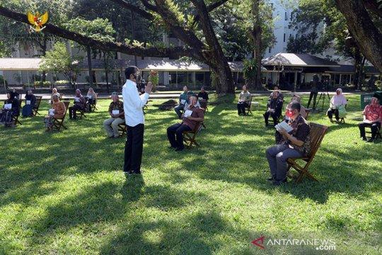Presiden Jokowi dialog dengan usaha kecil yang bangkrut akibat pandemi