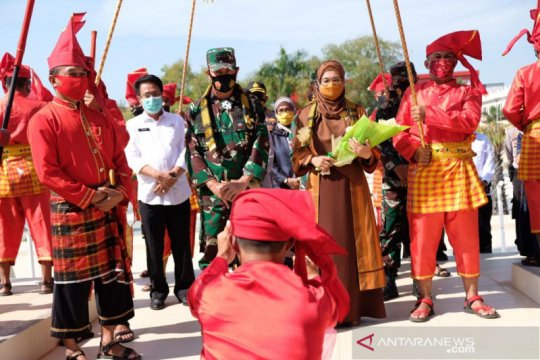 Pangdam XIV Hasanuddin terima gelar dari Raja Gowa