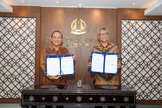 Kemenlu-Kemenkumham teken perjanjian kerja sama penanganan WNA