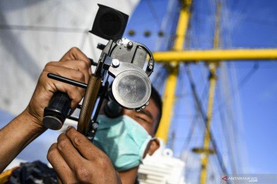 Taruna AAL berlatih navigasi astronomi