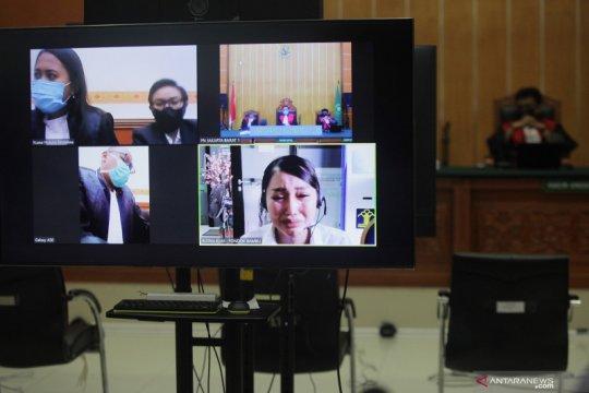 Majelis hakim ganjar Lucinta Luna satu tahun enam bulan penjara