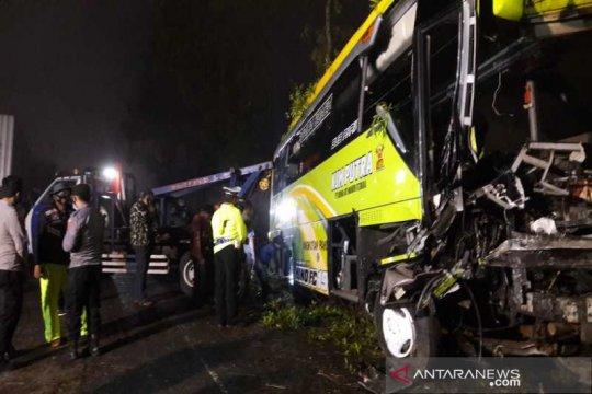 Bus wisata kecelakaan di jalur Dieng-Wonosobo empat tewas