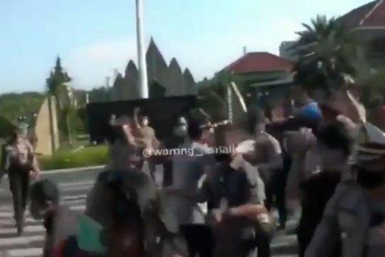 Kapolrestro Jaksel bantah bentrokan saat aksi tabur bunga purnawirawan