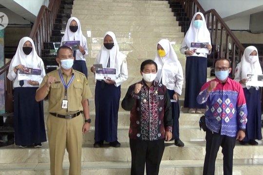 Ribuan pelajar SLTP di Kota Banjarmasin menerima KIP