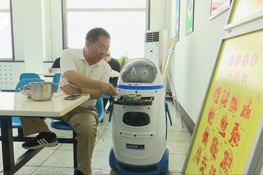 Kantin di China tugaskan robot kampanyekan kurangi limbah makanan