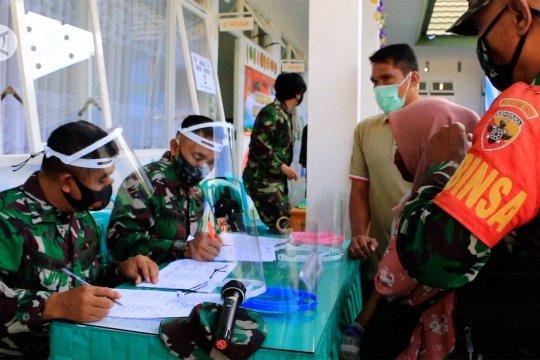Korem 162 WB memulai peringatan HUT 75 TNI dengan bakti sosial
