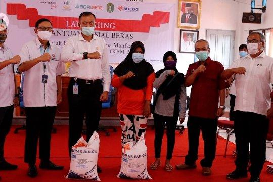 Sebanyak 159.644 keluarga di Kalbar terima bantuan sosial beras