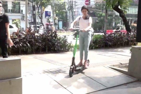 Anak di bawah 12 tahun dilarang gunakan skuter listrik