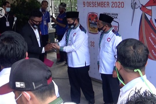 Ibnu-Arifin jadi paslon pertama mendaftar ke KPU Banjarmasin
