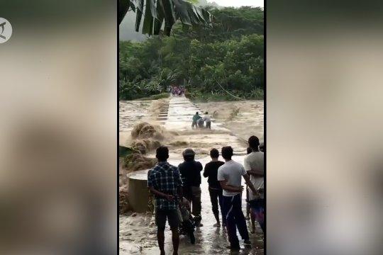 Warga diminta waspada banjir lahar dingin Gunung Semeru